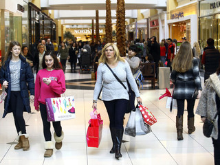 5 tips for surviving Black Friday shopping
