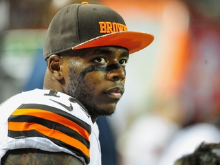 Josh Gordon to enter rehabilitation center