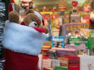 4 family Christmas gift exchange ideas