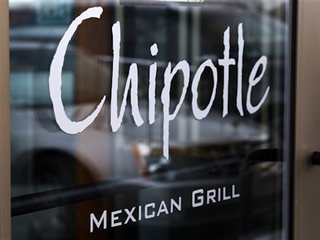 Chipotle makes push to prove its food is safe