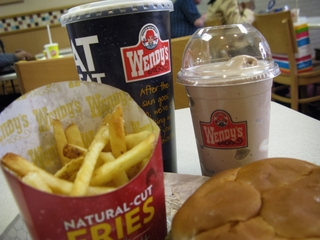 Wendy's investigating fradulent charge reports
