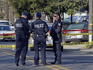 Baton Rouge police: 2 officers, 1 suspect shot