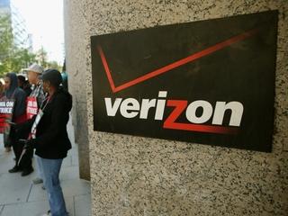 Verizon workers score wins in deal to end strike
