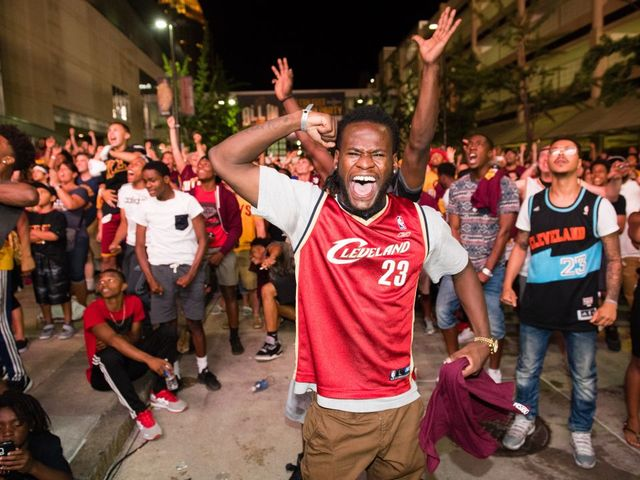 LeBron, Cavaliers Ready to Parade City Streets as Champions