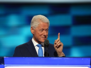 Bill Clinton's DNC speech focuses on love story