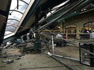 At least 1 dead, 100 hurt in Hoboken train crash