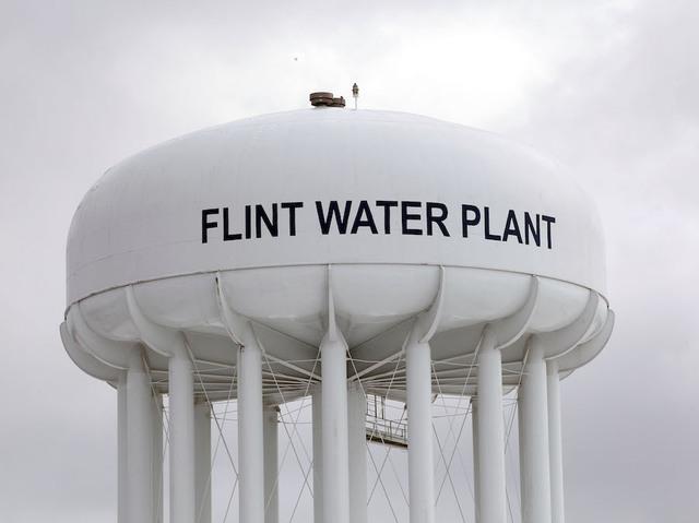 Flint mayor extends city's state of emergency