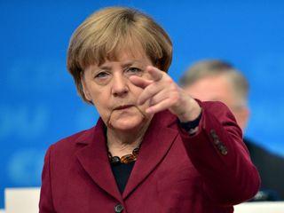 Merkel supports burqa ban
