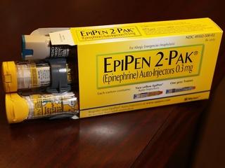 FDA warns consumers of EpiPen recall