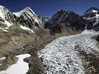 Famed climber dies preparing for Everest trek