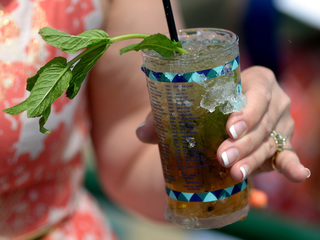 How to make a mint julep for Derby day