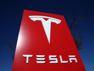 NTSB: Man killed in Tesla crash ignored warnings