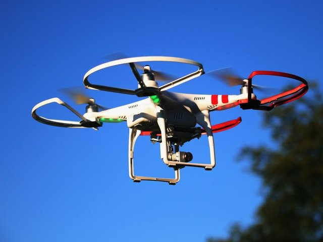 Drone attempted to lure children from OH  school playground, district says